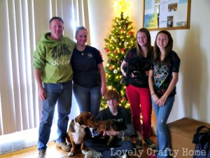 Joyce-family-with-tree